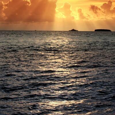 Ton amour est comme la mer...il est très lumineux et clair